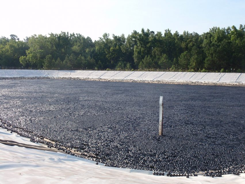 hexoshield cover protect reservoir from evaporation and algae